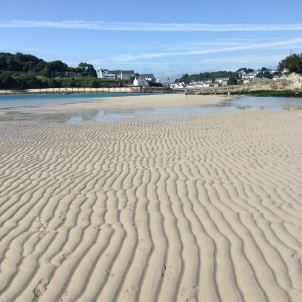 Plage Saint Julien, Plouhinec. Low tide, looking across towards Audierne/Esquibien.