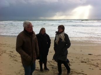 La Grève. Not cold - but - the wind !
