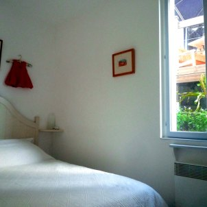 9) Bedroom 1: double bed
