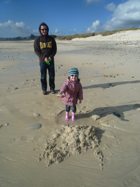 Mesperleuc Plage. A pair of wellies, a bucket and a spade. And Dad.