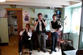 Breton music Chèz Agnès, a traditional bar, rue des Partisans.